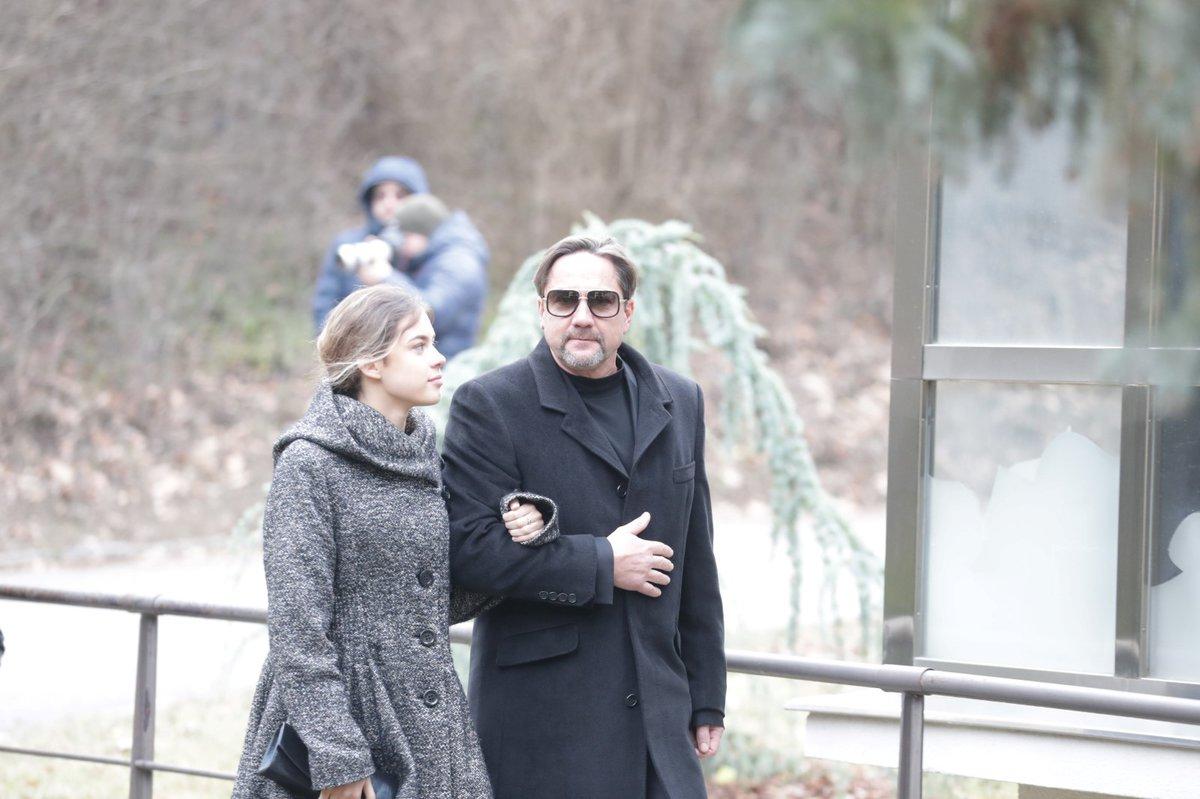 Pohřeb Luďka Munzara: Martin Trnavský a Anna Munzarová