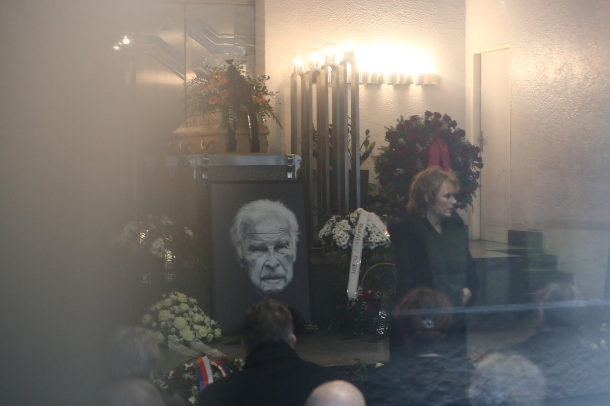 Pohřeb Luďka Munzara: Bára Munzarová