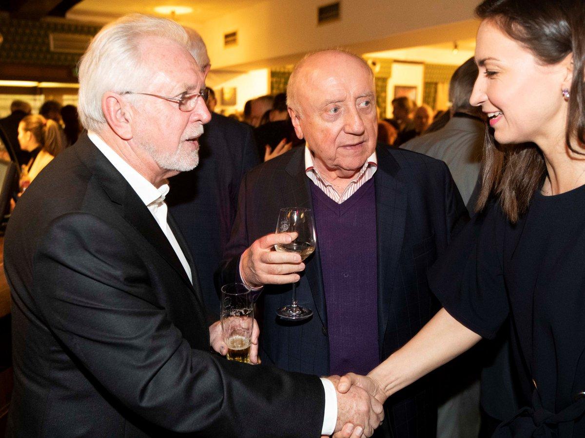 Premiéra Léta s gentlemanem: Premiéra Léta s gentlemanem: Jaromír Hanzlík a Felix Slováček s Lucií Gelemovou
