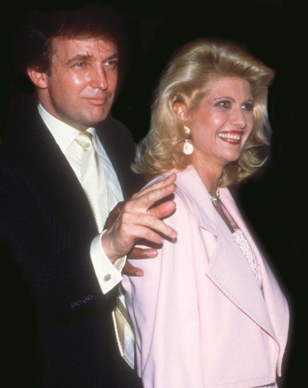 Ještě šťastní manželé Trumpovi.