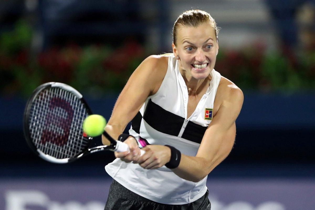 Česká tenistka Petra Kvitová během finálového utkání v Dubaji