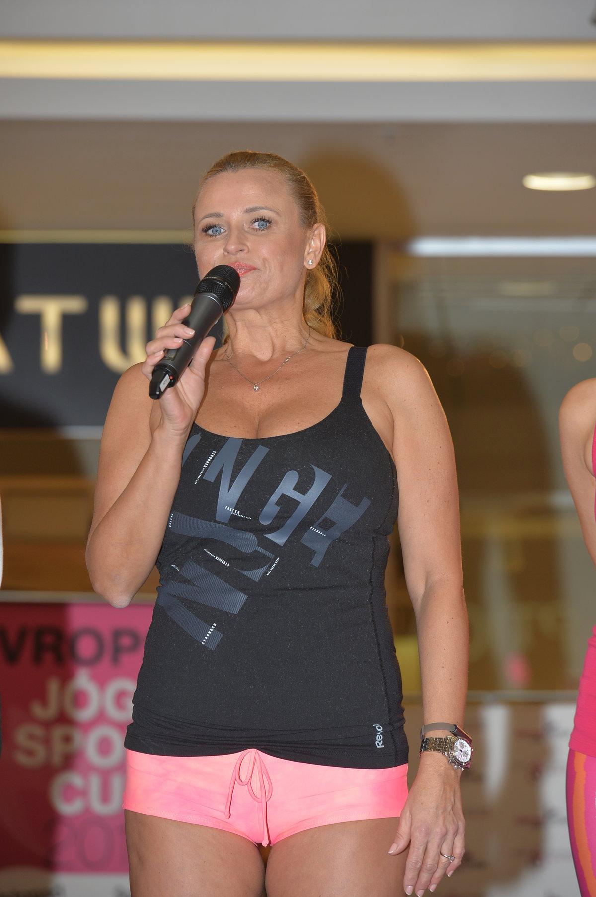 plný sex kempov na Floride vysoká trieda Zoznamka UK