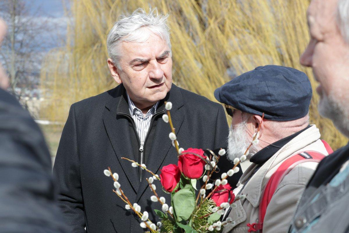 Pohřeb Jiřího Pechy: Miroslav Donutil a Arnošt Goldflam