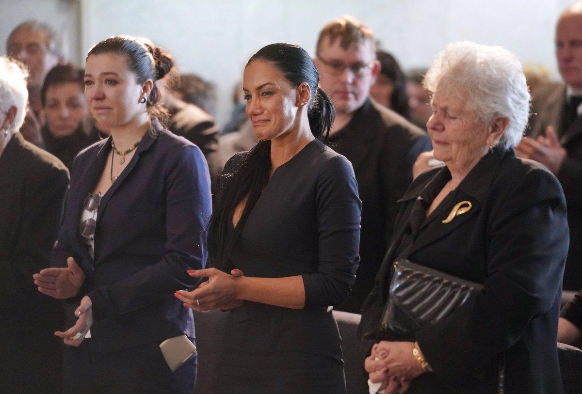 Pohřeb Jiřího Pomeje: Vdova Andrea Pomeje, sestra Jiřího i maminka, byly v slzách