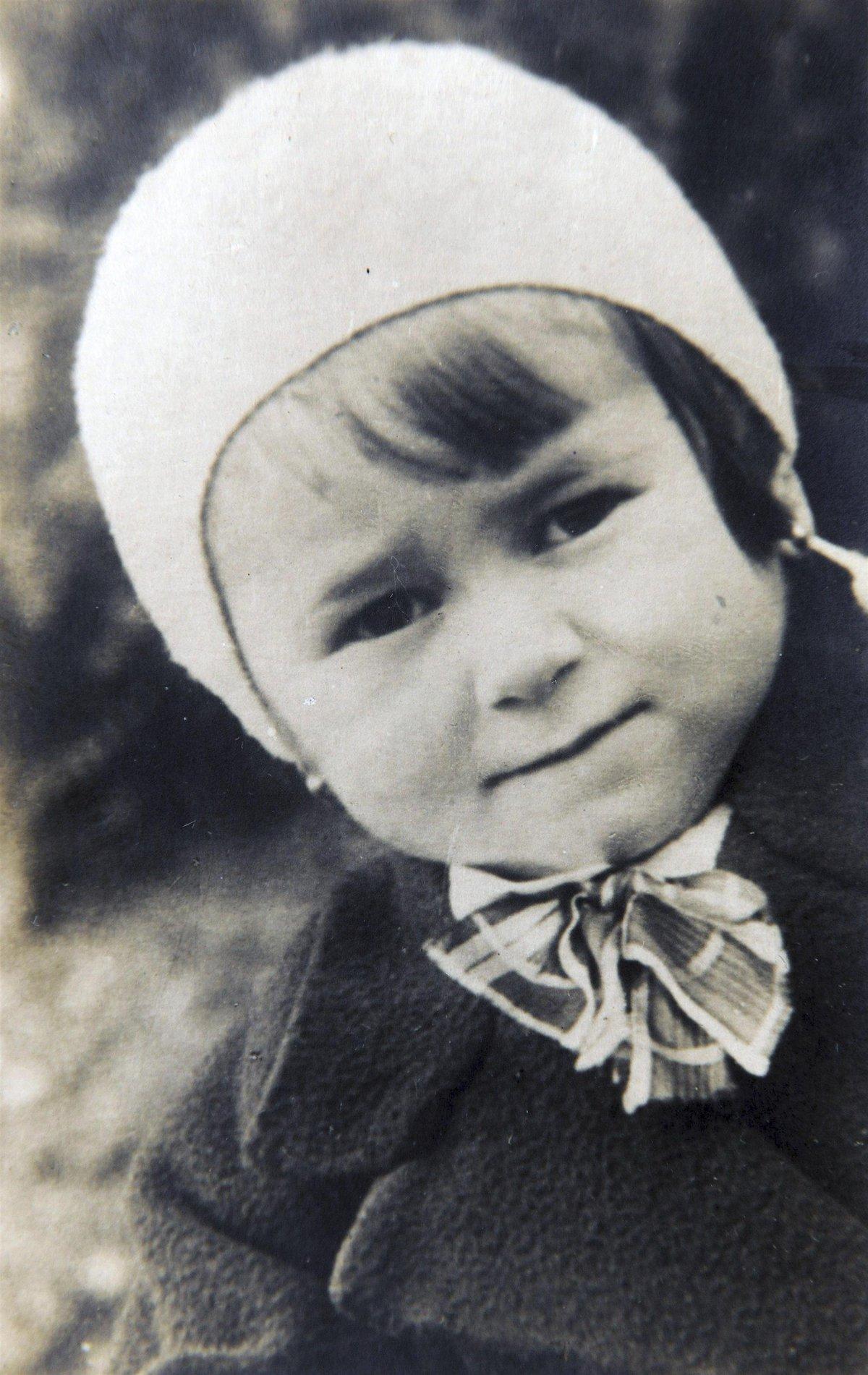 Malá Aťka Janoušková.