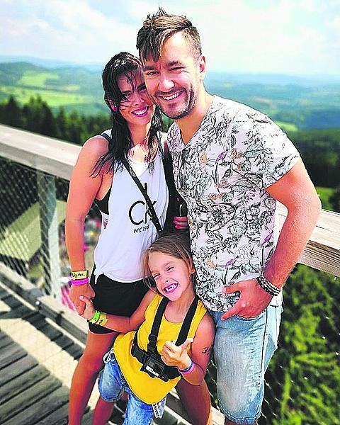 S partnerkou Marcelou a synem Marečkem žijí na Šumavě. Tam, kde vyrůstal i Marek...