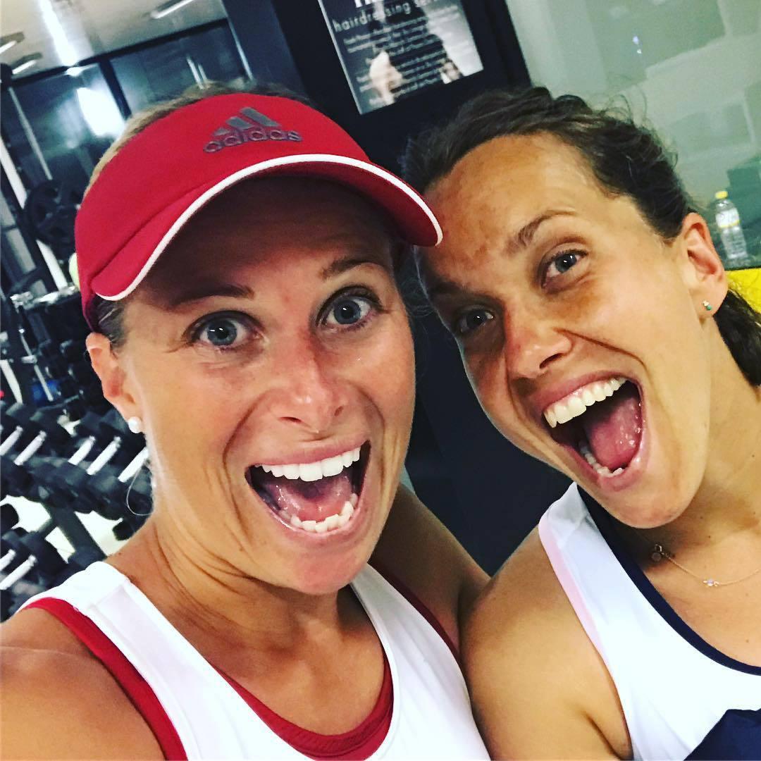 Úspěšná deblová dvojice Andrea Sestini Hlaváčková a Barbora Strýcová