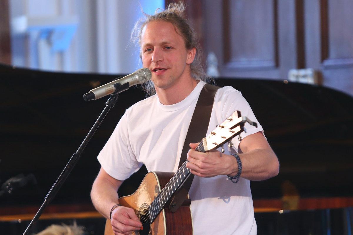 Tomáš Klus během svého vystoupení.