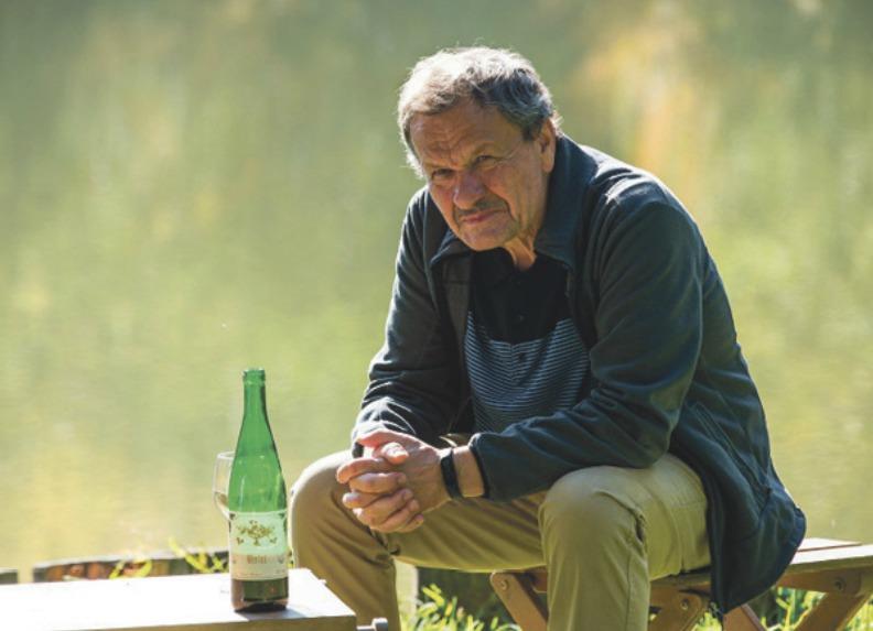 Miroslav Krobot jako plukovník Vitouš na penzi. Případ tehdy vyšetřoval právě on.