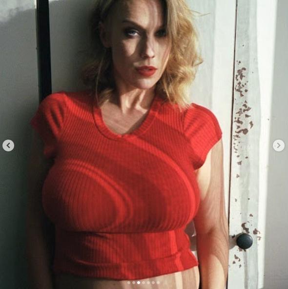 Aneta Krejčíková se nechala odvážně vyfotit v pátém měsíci těhotenství.