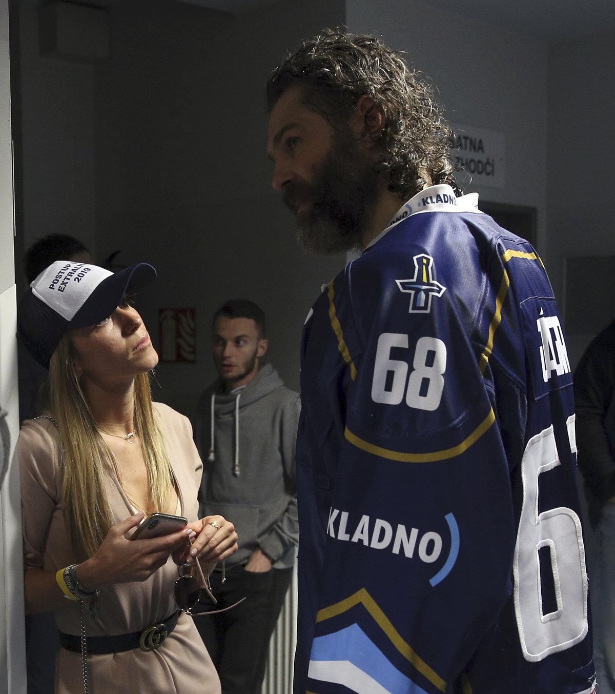 Na Jágra po zápase čekala jeho přítelkyně Veronika Kopřivová