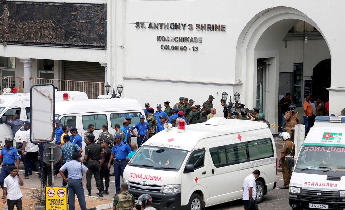 Desítky mrtvých si vyžádaly koordinované útoky na Srí Lance. (21.4.2019)
