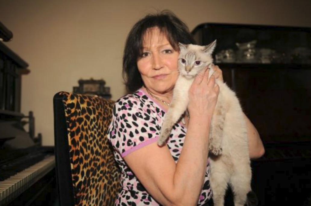 Marta Kubišová s kočičkou
