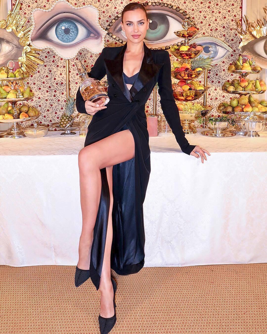 Irina Shayková se stala novou tváří parfémů Scandal