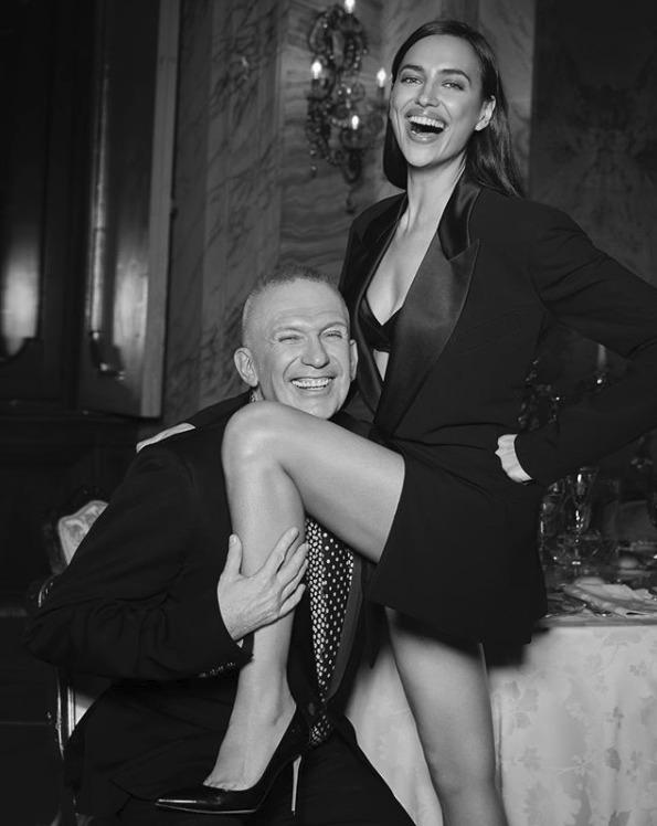 Irina Shayková a návrhář Jean-Paul Gaultier