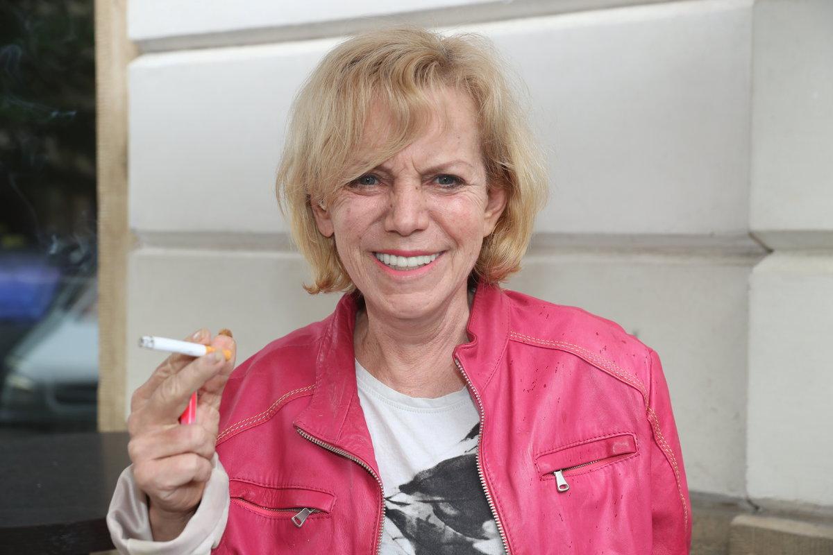 S alkoholem už přestala, teď ještě ten nikotin...