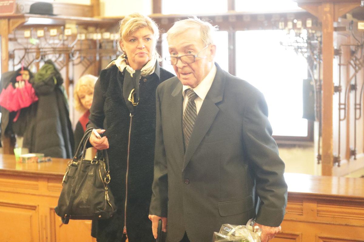 Rudolf Jelínek na posledním rozloučení s Jaroslavem Kepkou
