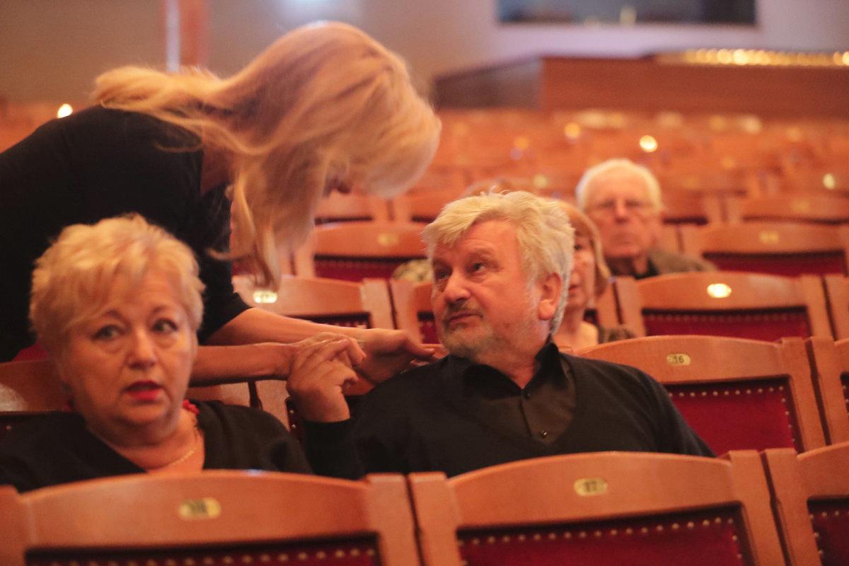 Kateřina Brožová a Jan Cimický na posledním rozloučení s Jaroslavem Kepkou