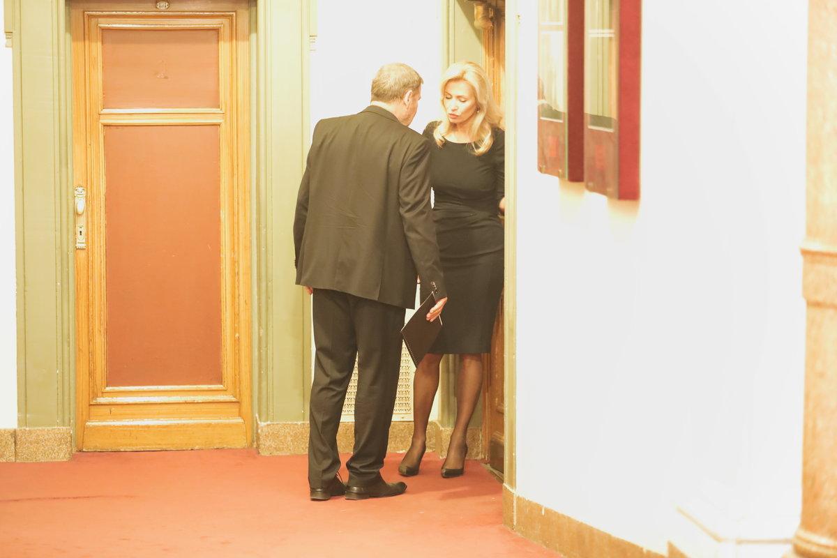 Na posledním rozloučení s Jaroslavem Kepkou toho měli Kateřina Brožová s Tomášem Töpferem hodně k řešení.