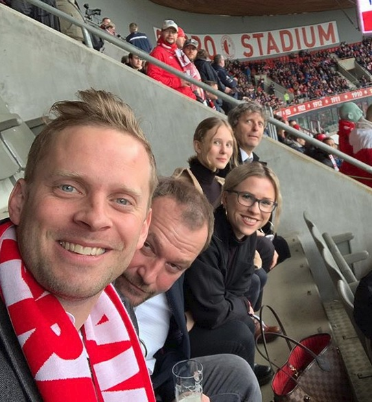 Jakub Prachař s tátou, sestrou a Markem Taclíkem na fotbale
