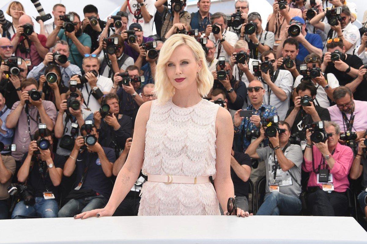 Charlize Theron na festivalu v Cannes