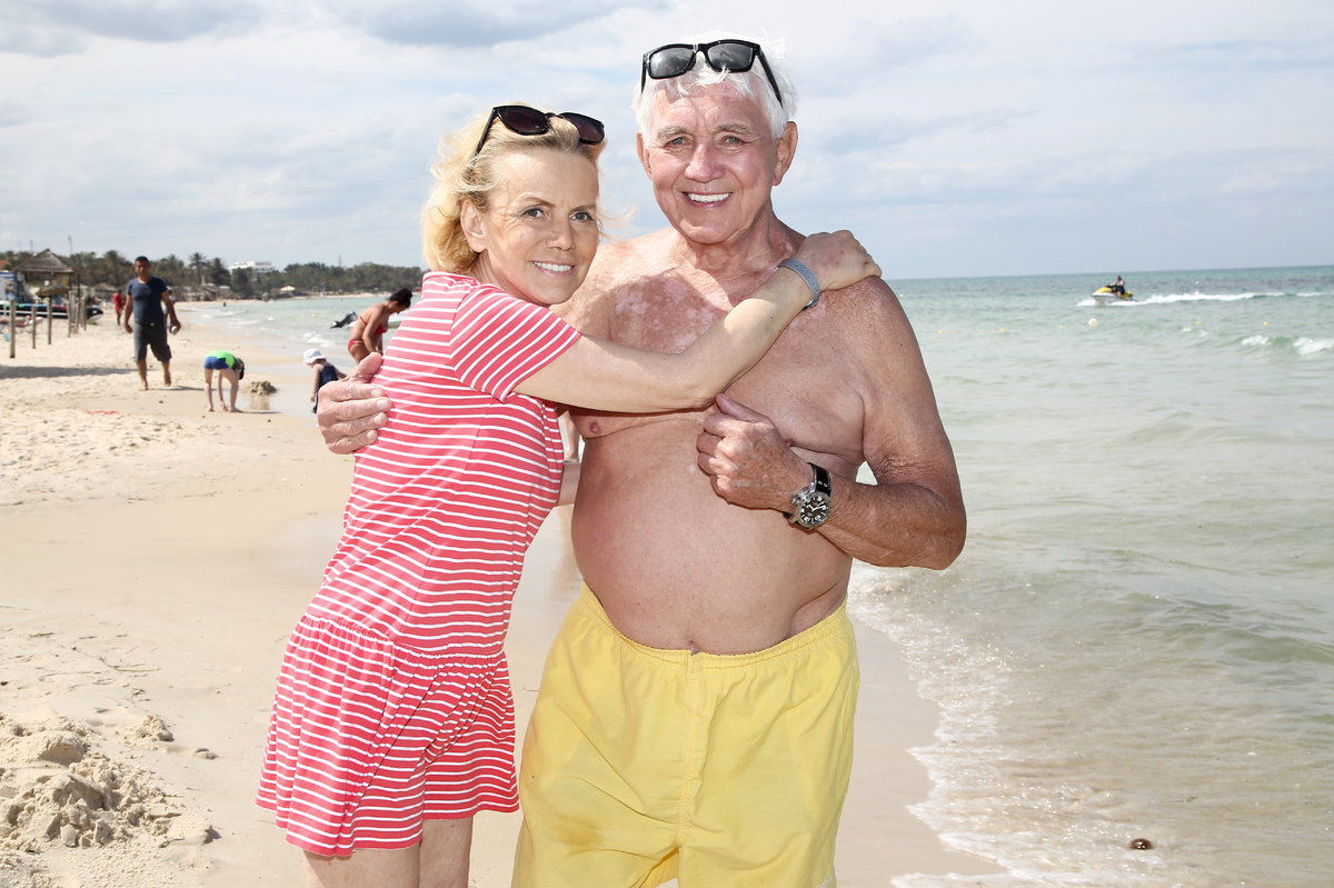 Jiří a Hana Krampolovi u moře v Tunisku