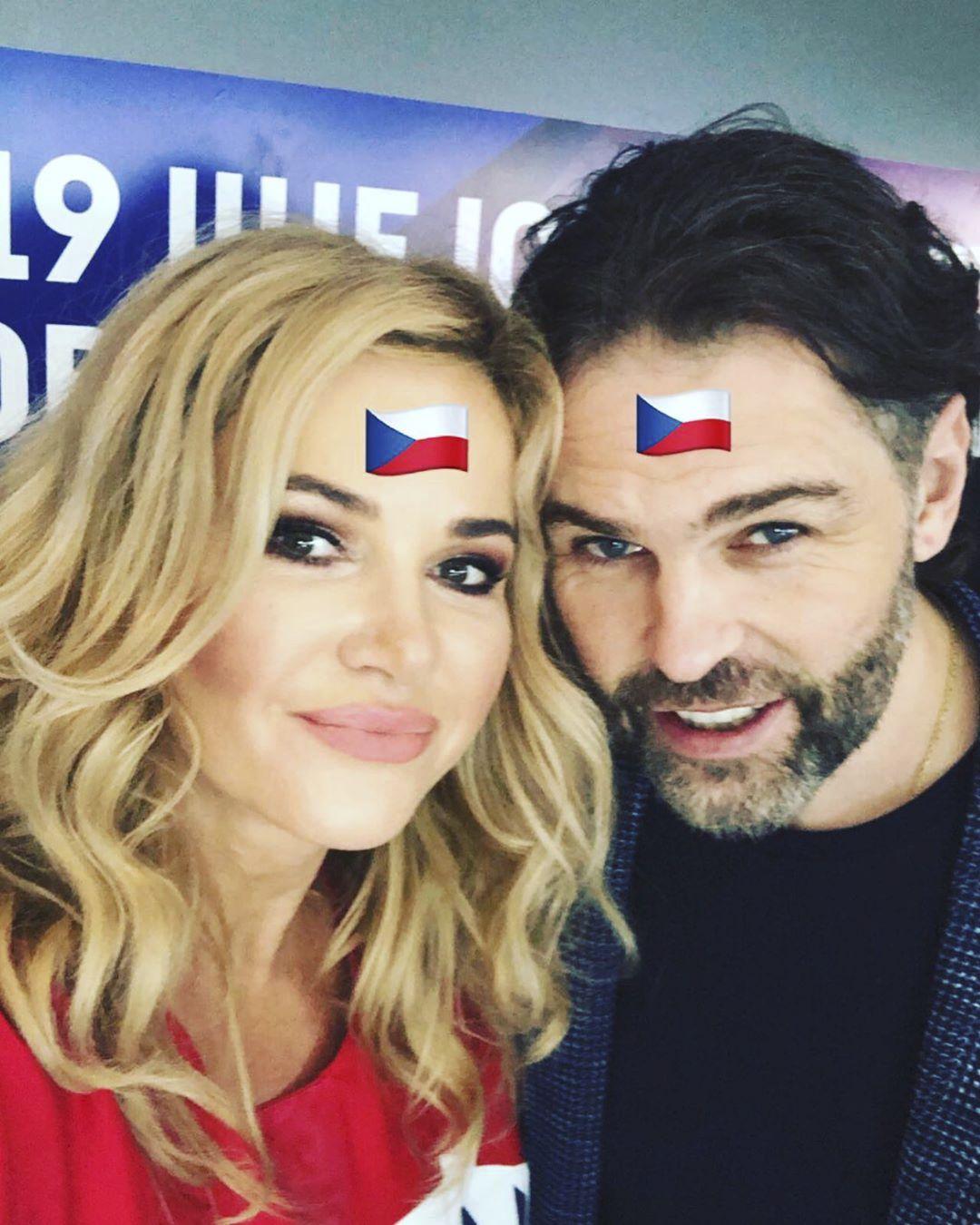 Monika Babišová, manželka českého premiéra, si udělala památeční foto s Jaromírem Jágrem