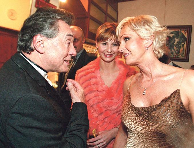 Karel Gott s manželkou Ivanou a Helenou Vondráčkovou v Moskvě