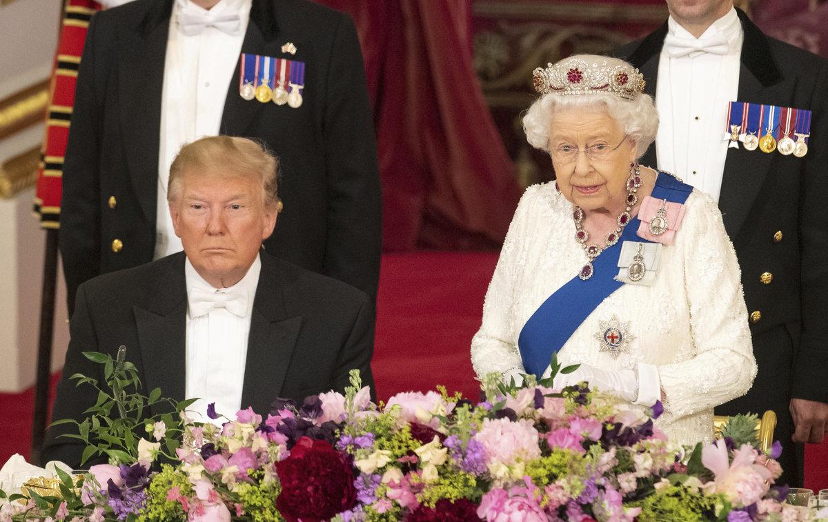 Prezident Donald Trump a královna Alžběta II.