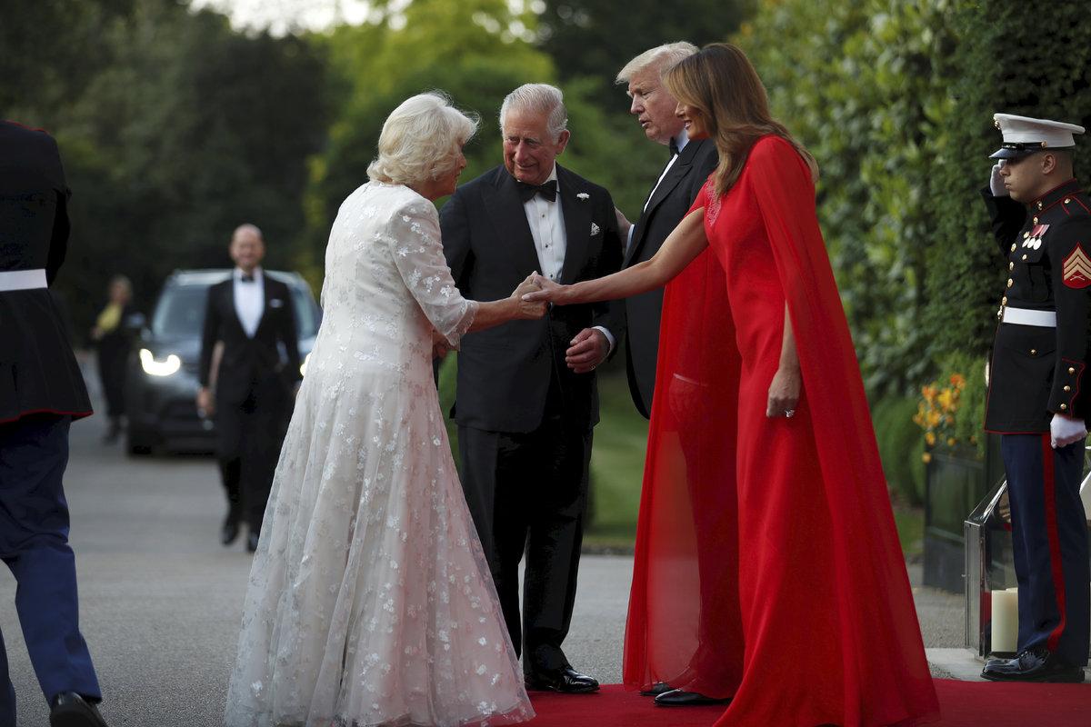 Americký prezident Trump s manželkou hostili prince Charlese a Camillu.
