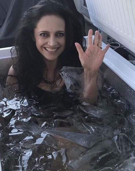Lucie Bílá v ledové koupeli