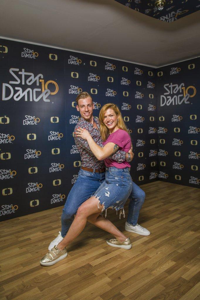 Gabriela Koukalová se svým tanečním partnerem.
