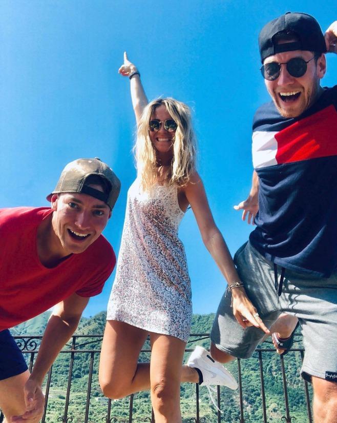 Veronika je v Itálii s dvojčaty Dubovickými