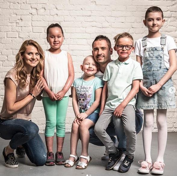 Lucie s Tomášem pomáhají charitě