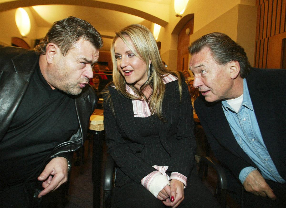 2004: Nerozlučná trojka. Karel Svoboda, jeho manželka Vendula a Karel Gott.