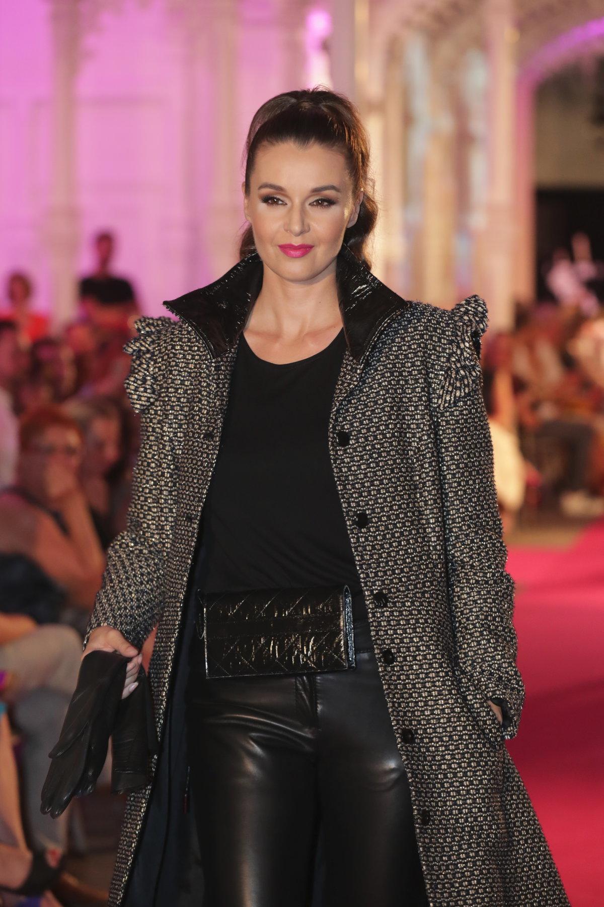 Iva Kubelková na přehlídce Beaty Rajské