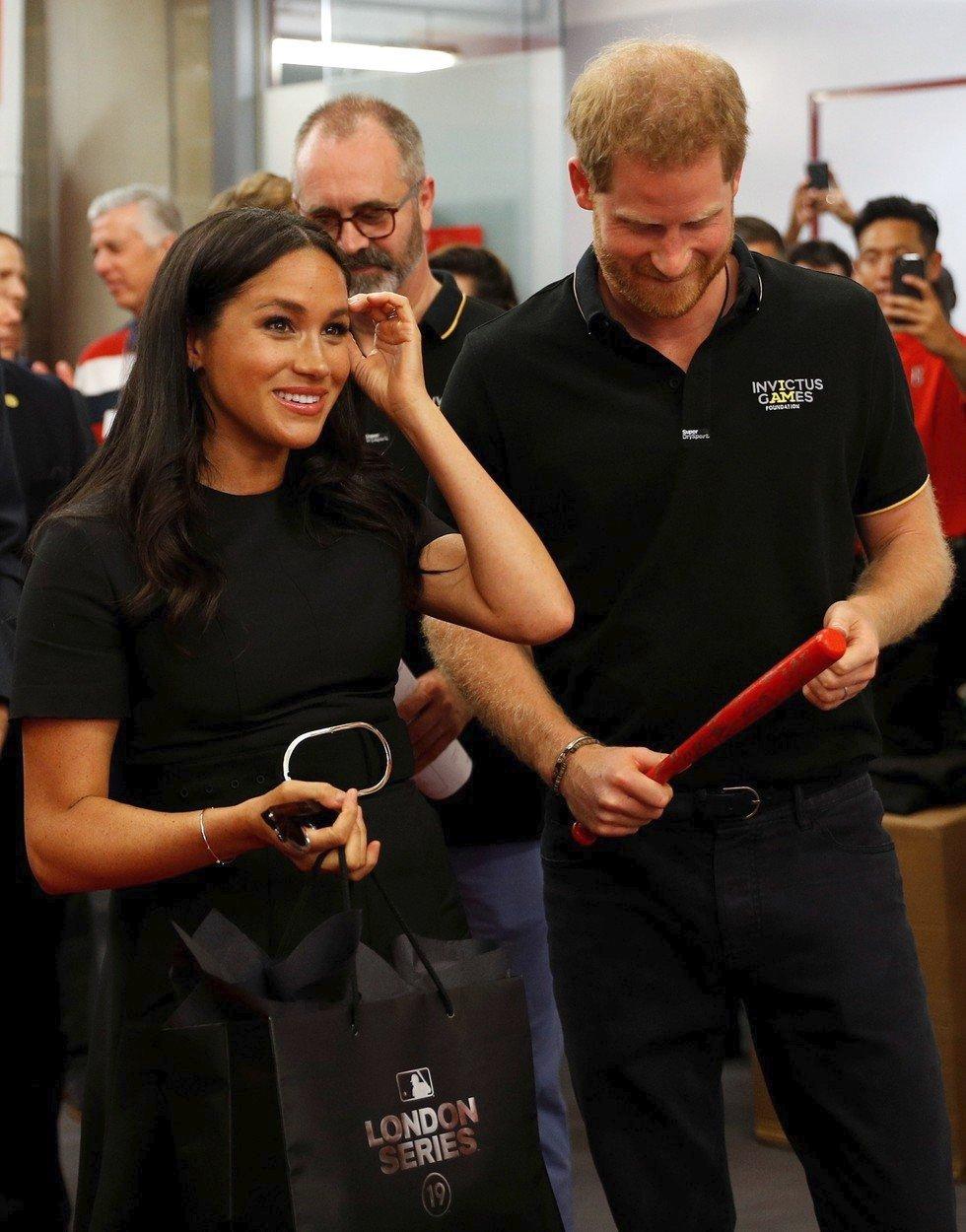 Princ Harry s Meghan dostali rozkošné dárky pro malého Archieho