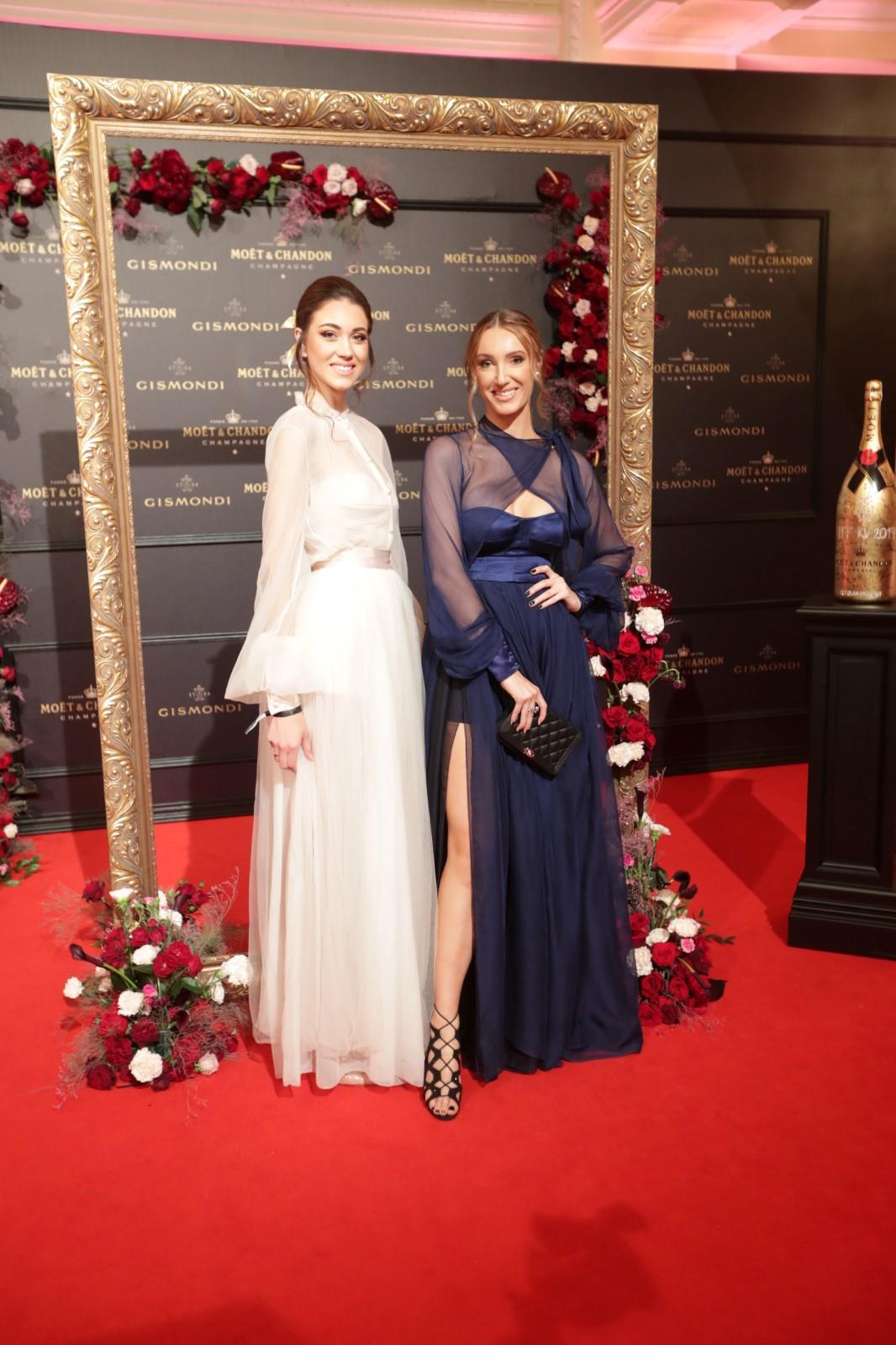 Moët party ve Varech: Táňa Makarenko (vpravo) a Miss Denisa Spergerová