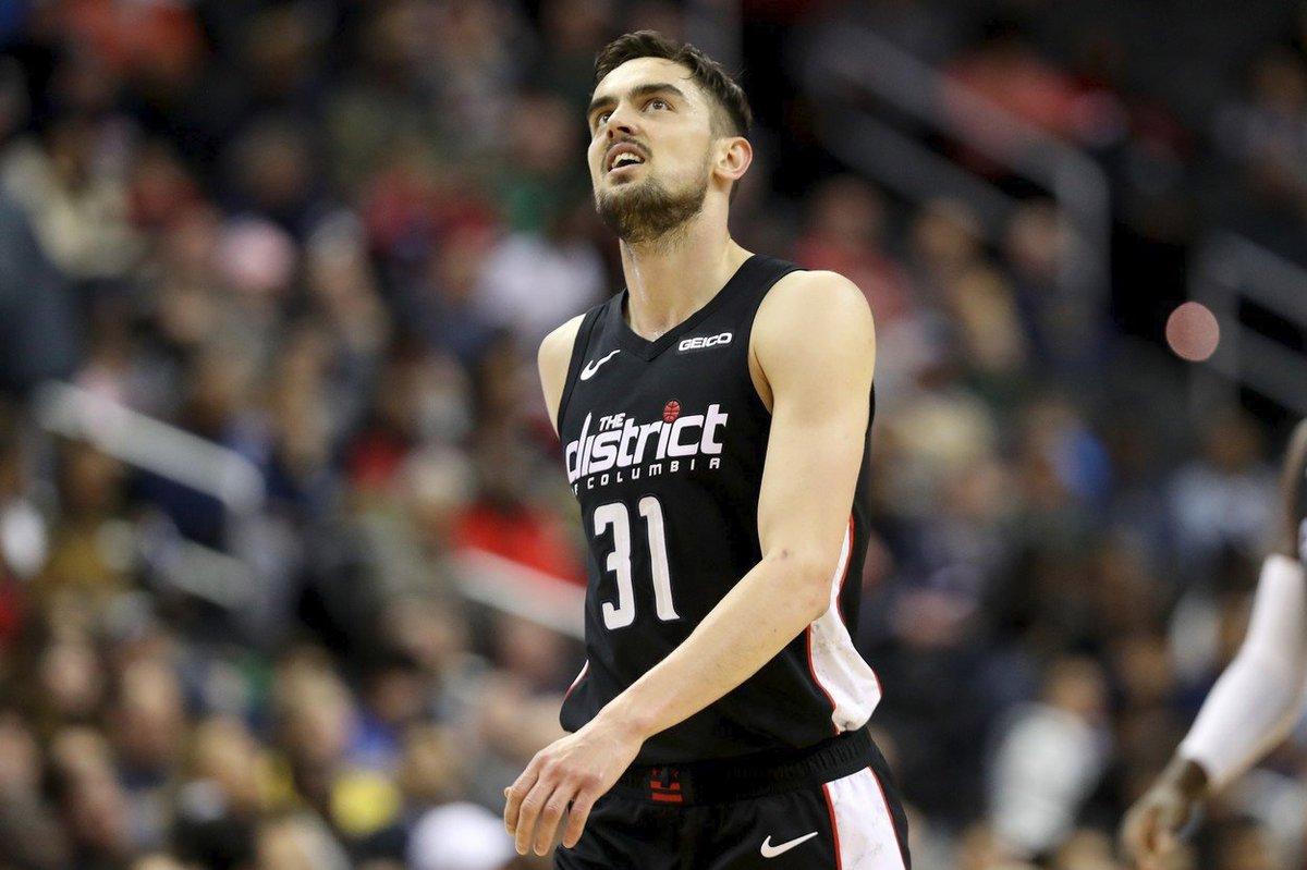 Česká basketbalová hvězda Tomáš Satoranský v dresu Washingtonu