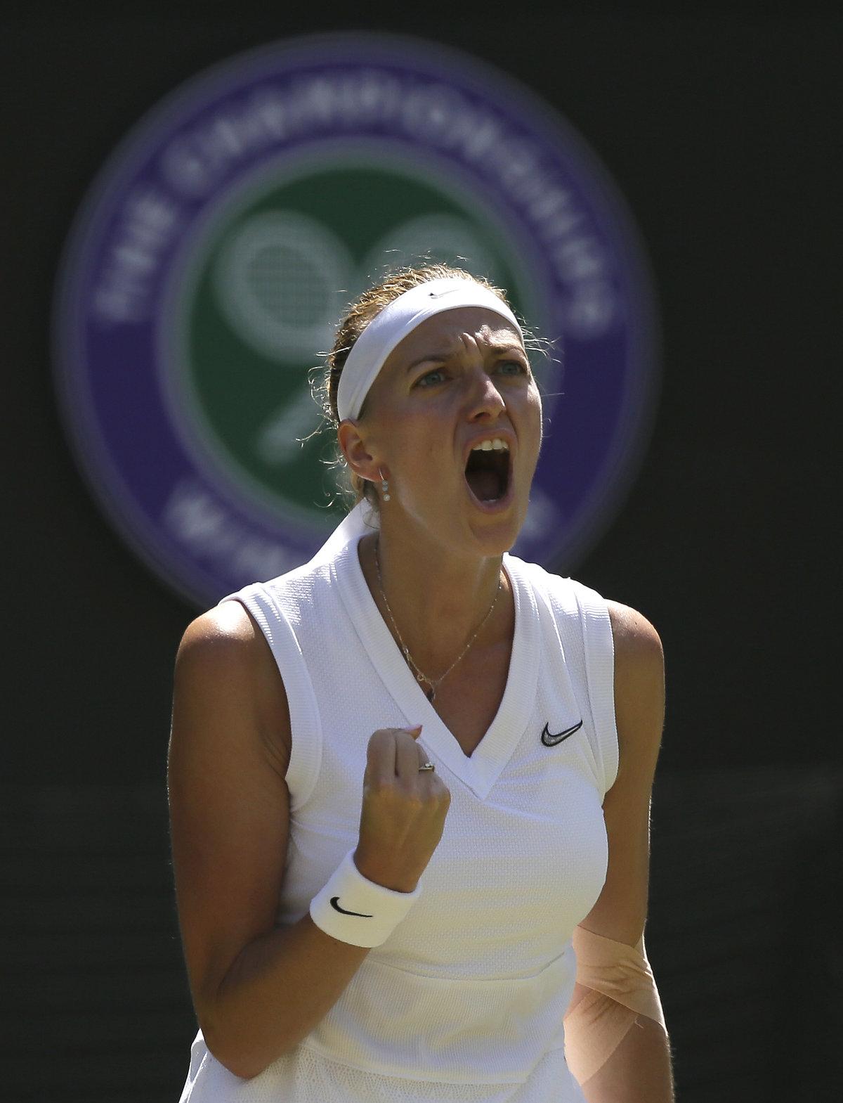 Kvitová úspěšně otočila první set proti Kristině Mladenovicové