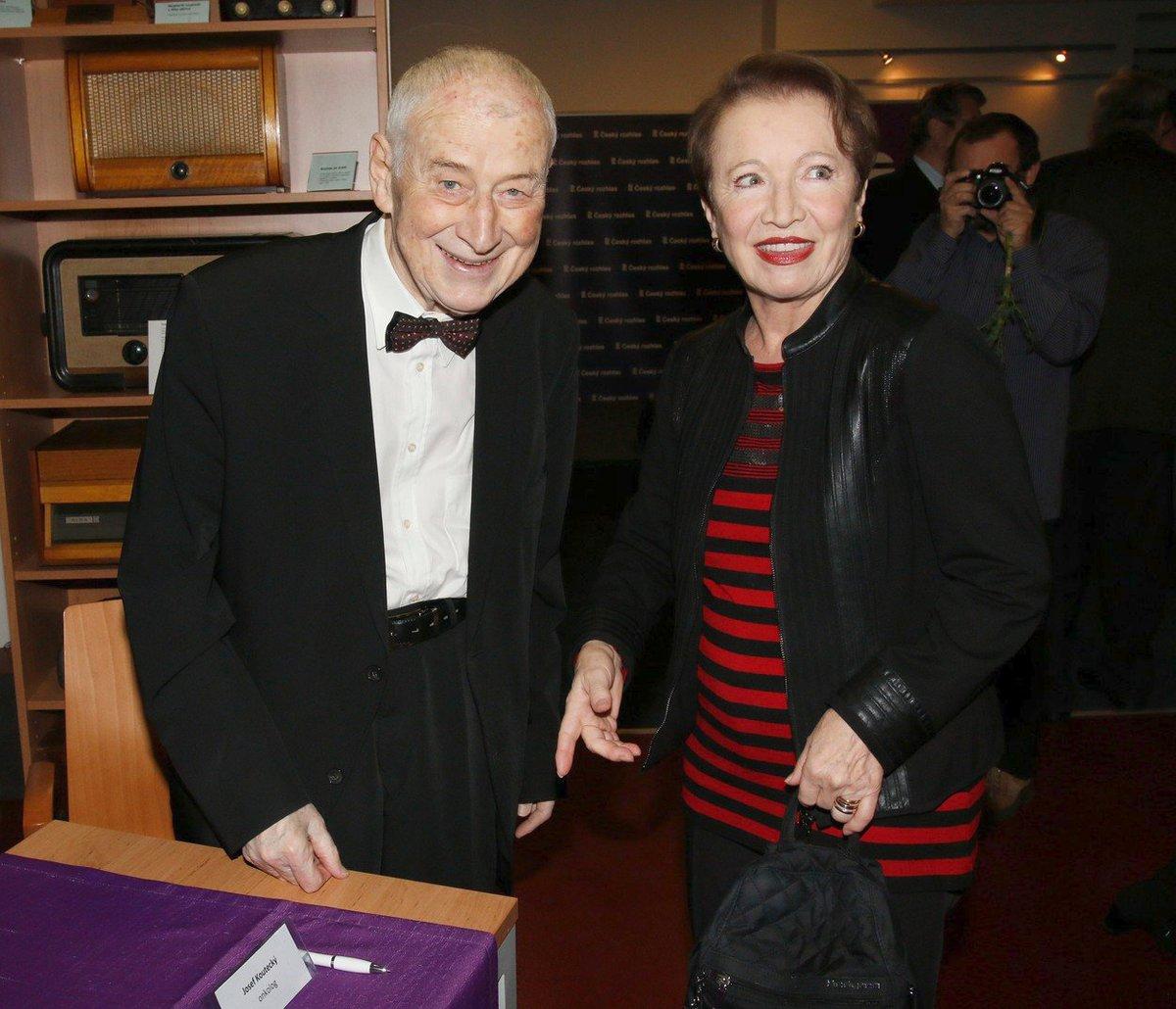 Profesor Josef Koutecký s herečkou Hanou Maciuchovou v roce 2017.