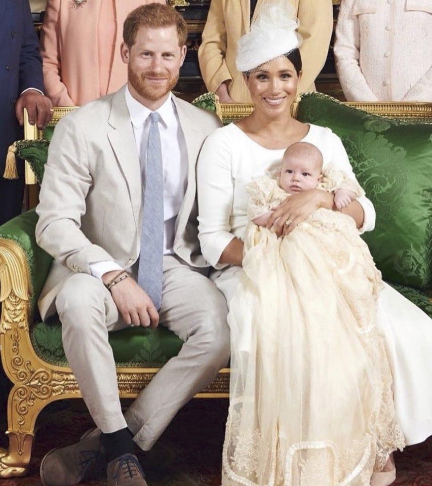 Archie byl pokřtěn v soukromé kapli ve Windsoru arcibiskupem z Canterbury.