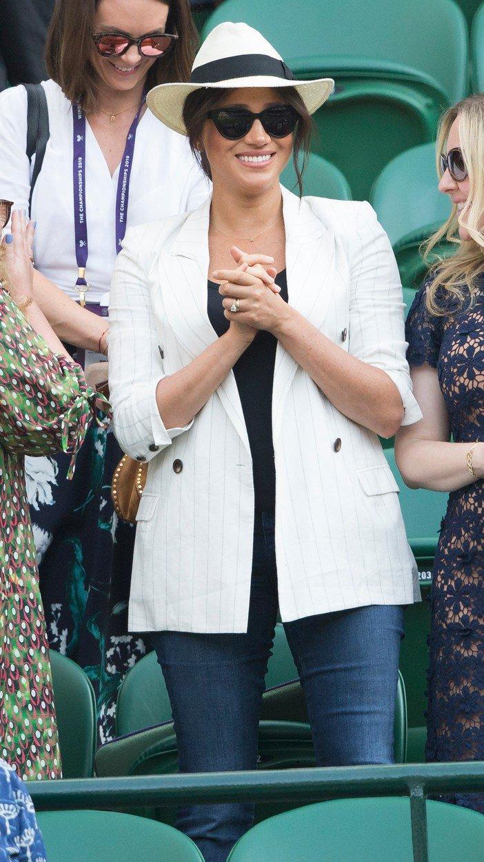 Na Wimbledon zkrátka jeansy nepatří!