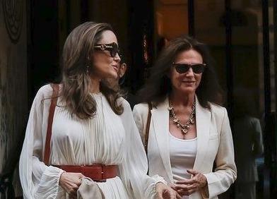 Zdá se, že vztah Angeliny a Jacqueline je lepší, než byl.