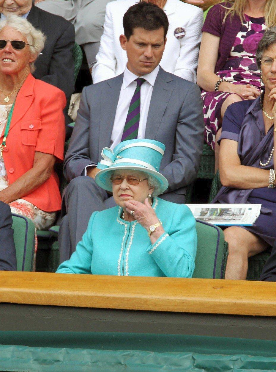 Královna Alžběta II. na Wimbledonu