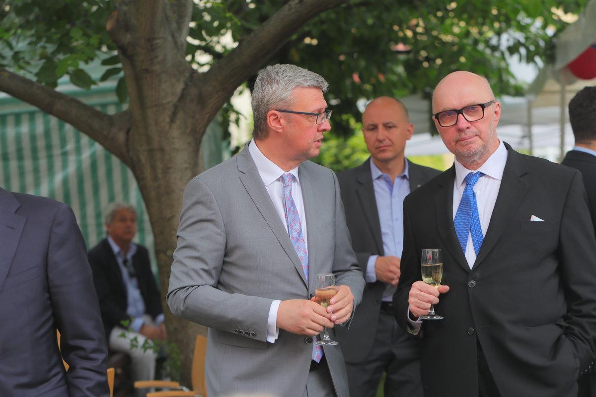 Vicepremiér Karel Havlíček se také zúčastnil recepce na francouzské ambasádě