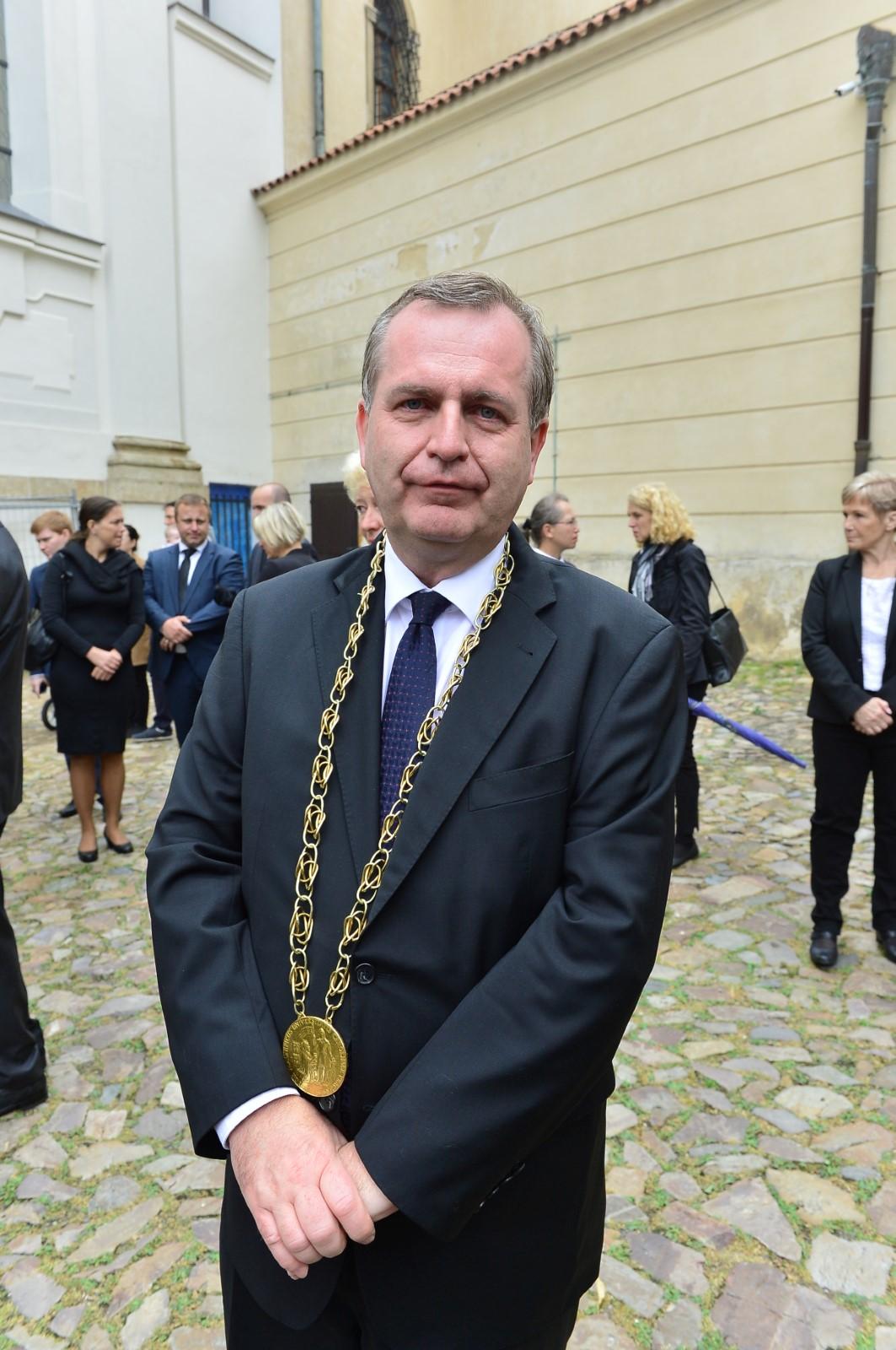 Poslední rozloučení s Josefem Kouteckým (†88): Rektor Univerzity Karlovy Tomáš Zima (13. 7. 2019)