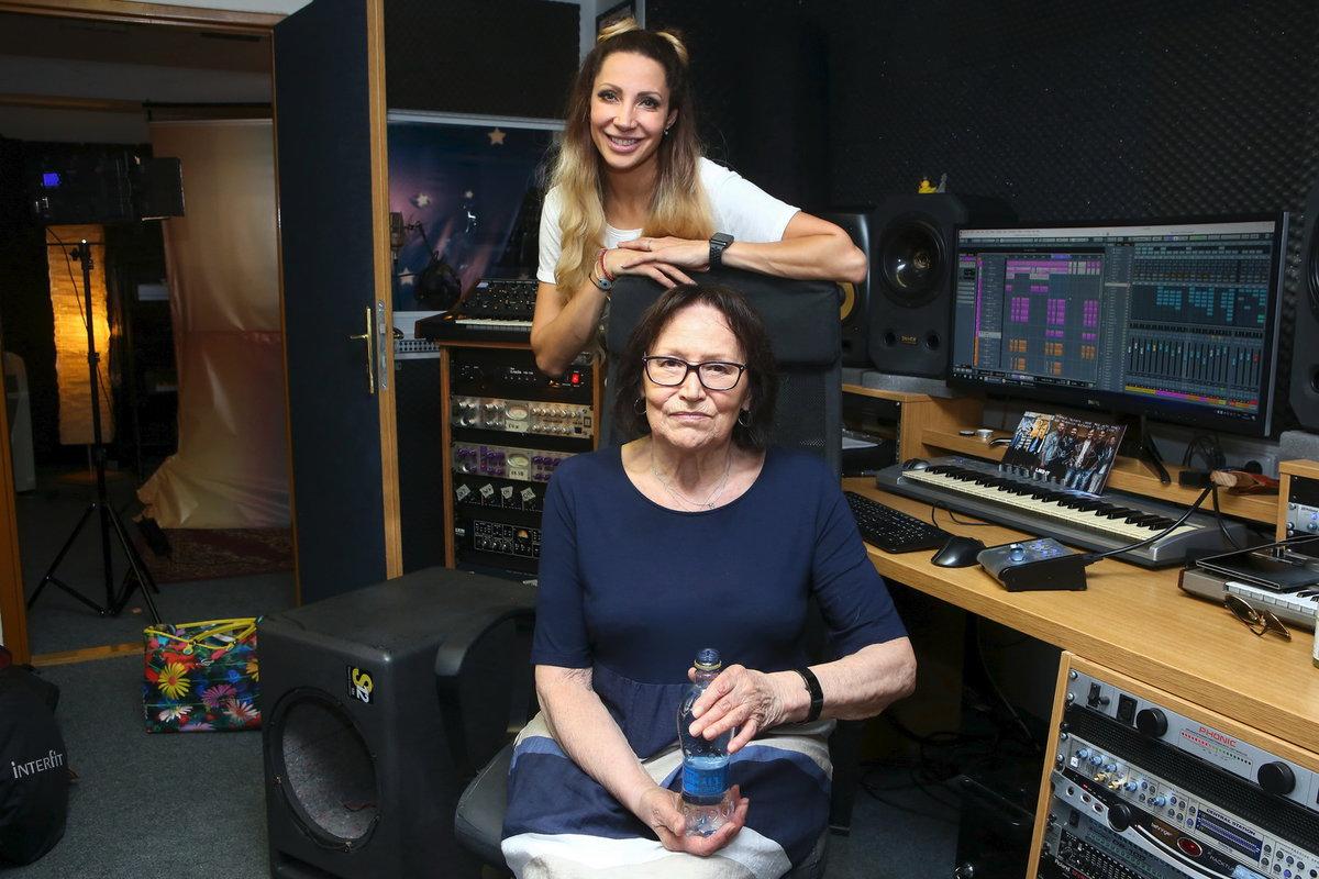 Marta Kubišová a Olga Lounová se podílejí na společném projektu pro týrané pejsky