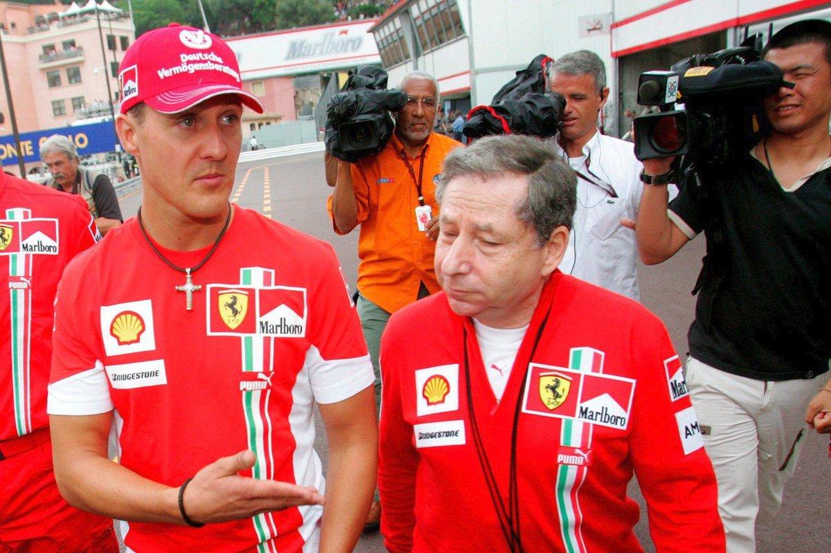 Michael Schumacher a bývalý šéf Ferrari Jean Todt sbírali  v rudých barvách jeden titul za druhým