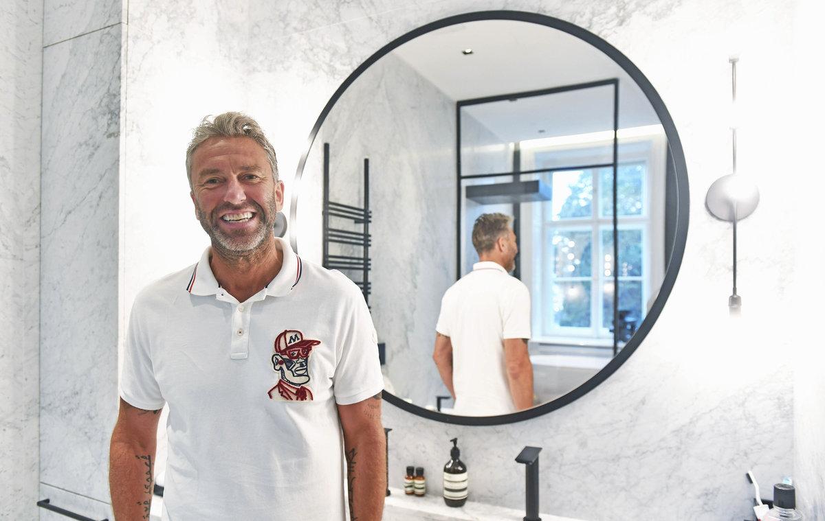 Generální manažer české hokejové reprezentace Petr Nedvěd si novým bydlením v centru Prahy splnil sen